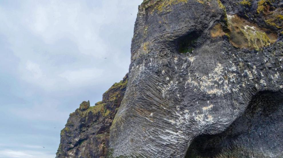 """Удивителната """"скала слон"""" – морско чудовище или скулптура на Майката..."""