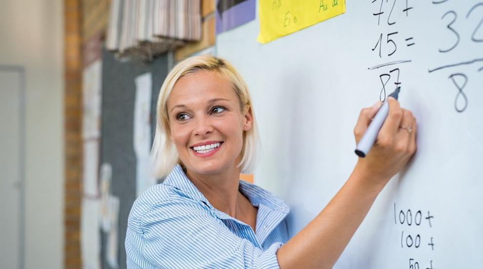 Вълчев предлага промени в наредбата за учителския труд