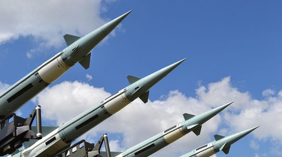 Пхенян изстреля две ракети в морето край източния си бряг