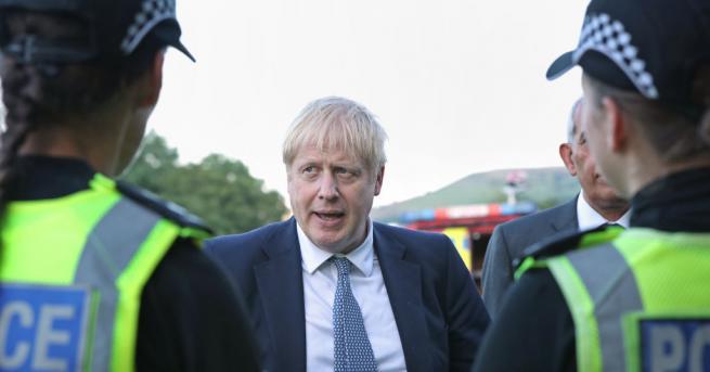 Британското общество категорично отхвърля плана на министър-председателя Борис Джонсън Обединеното