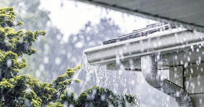 Ураганната буря над България 15 сигнала за паднали клони са