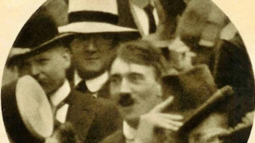 <p>1914: &quot;<strong>Хитлер - човек на народа</strong>&quot;. Истина или лъжа?</p>