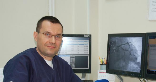Снимка: Доц. д-р Добрин Василев: Българинът обича да чака да му мине