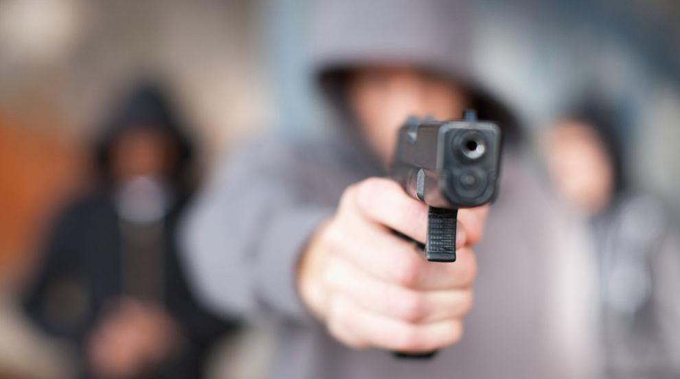 Западната преса за контрола върху оръжия в САЩ