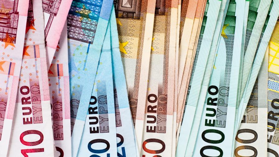<p>Най-ниската средна заплата на Балканите е в Македония, България е трета&nbsp; &nbsp; &nbsp;&nbsp;</p>