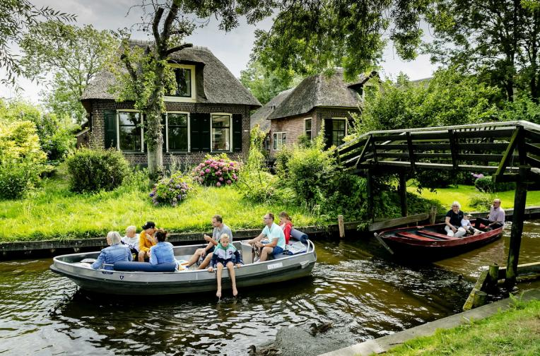 разходка лодка холандско