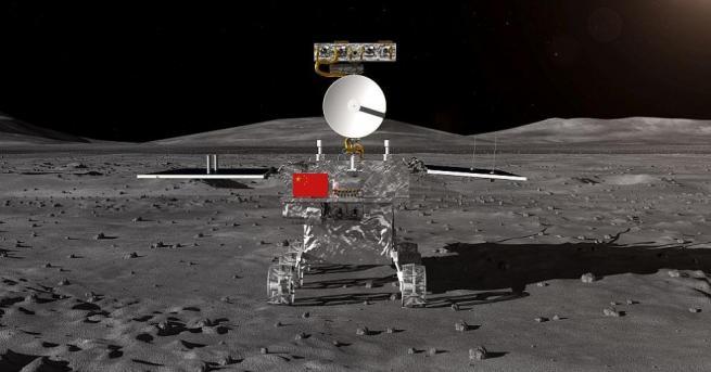 """Китайският луноход """"Юйту-2"""", който е съставна част от кацналия на"""