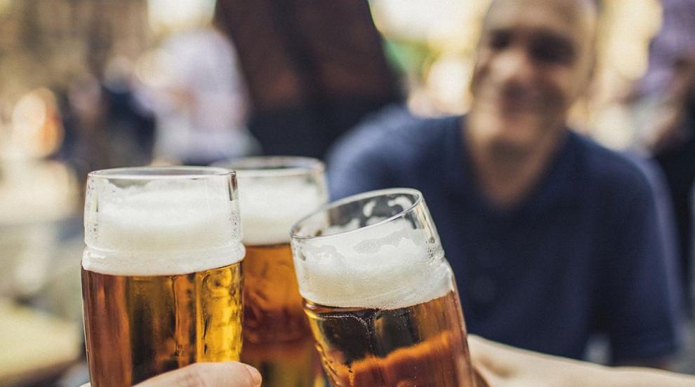 Първата в света чешма, от която тече бира се намира...