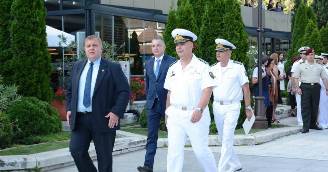 Със заповед на министъра на отбраната е обявен конкурс за
