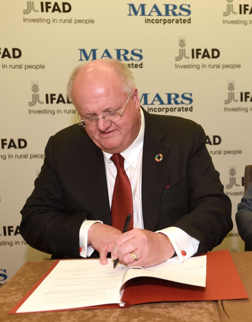 От началото на годината Марс са станали по-богати с 37 милиарда долара, а общото им състояние достигна 126,5 милиарда долара.