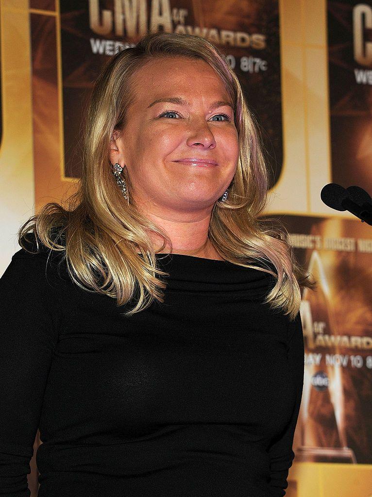 На снимката: Емили Байер, представител на компанията