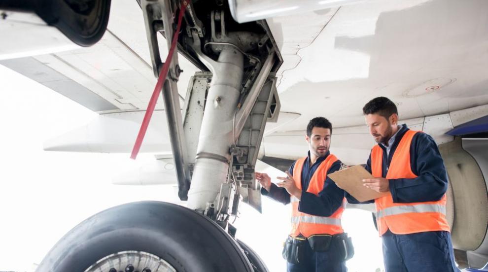 Повредиха се и двата самолета, с които германски министър пътува