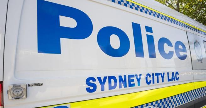 Мъжът намушка жена в центъра на Сидни и се опита