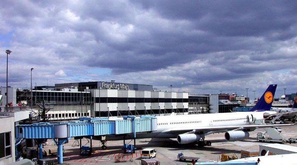 Тридесет и петима българи не могат да излетят от Франкфурт. Сред тях има...