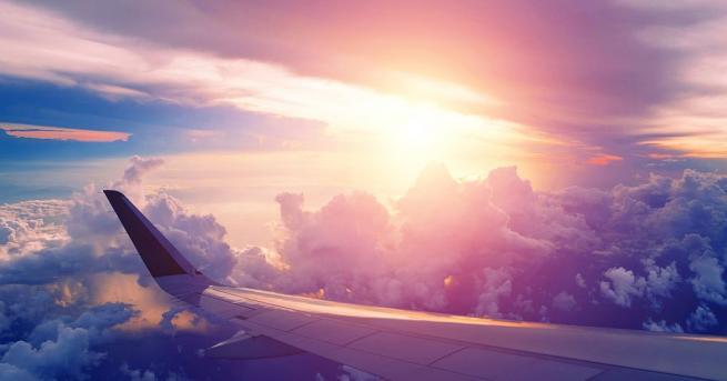 Китайски пътнически самолет принудително се върна на летище Кенеди в
