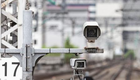 Камерите в София вече ще засичат дори говорещите по телефон шофьори (ВИДЕ ...