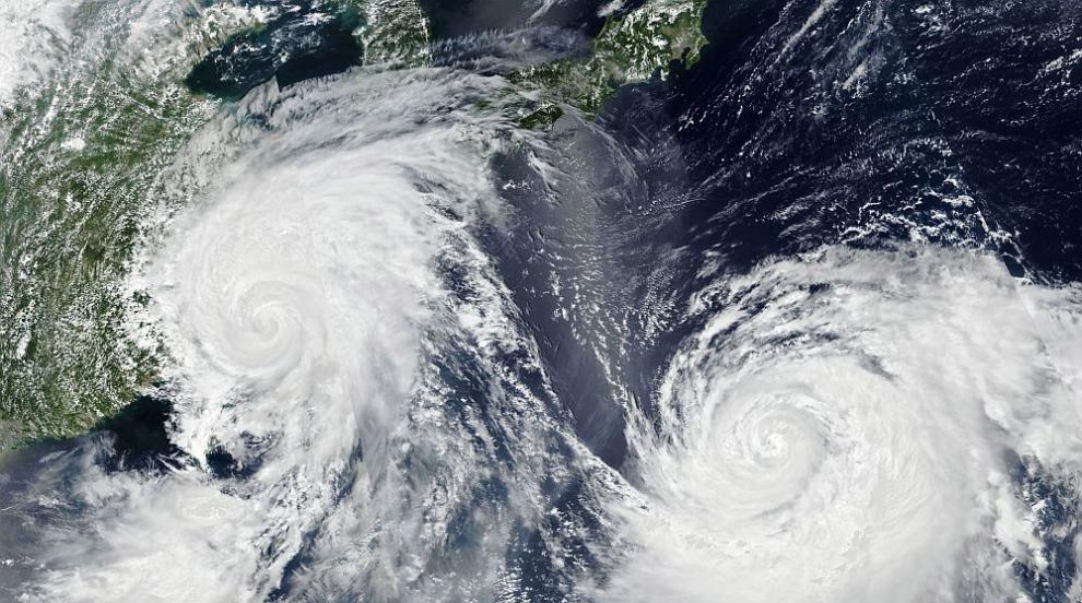 Опасност и евакуация в Япония, тайфунът Кроса приближава с поройни дъждове