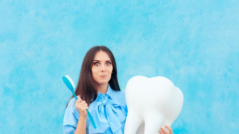 10 натурални начина за избелване на зъбите в домашни условия