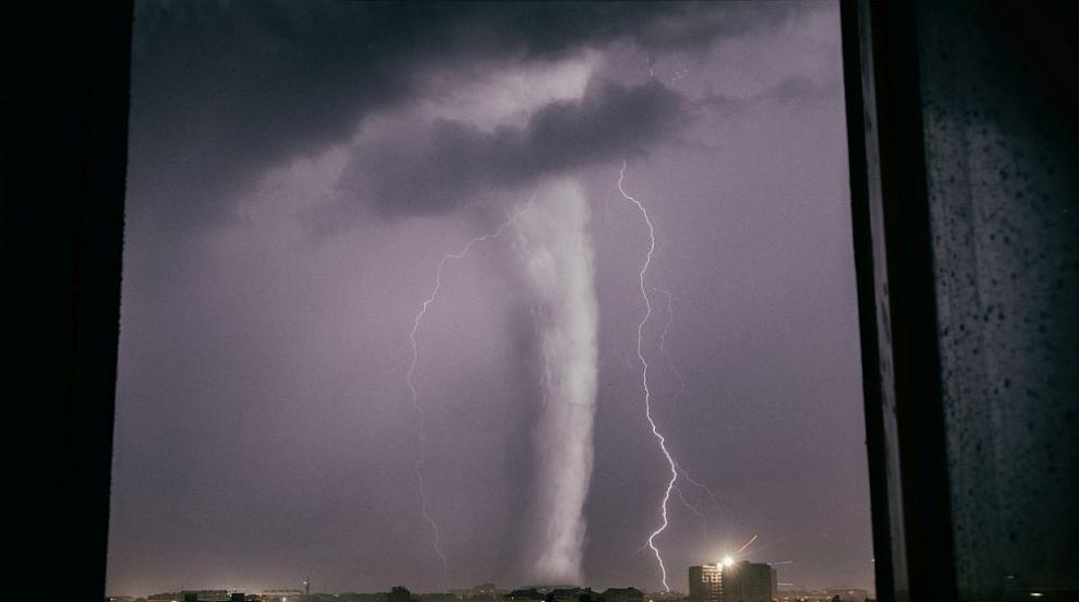 Няма пострадали българи при торнадото, което удари Чехия и взе жертви (ВИДЕО/СНИМКИ)