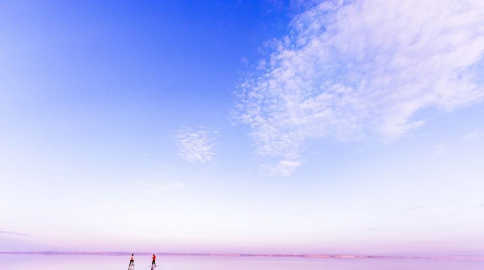 Чудноватото езеро Туз в Турция - красота в розово (СНИМКИ/ВИДЕО)