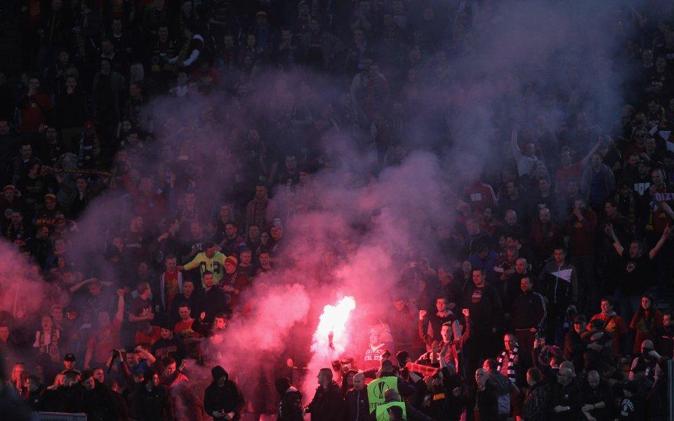 28 души за били арестувани след сериозно меле след дербито