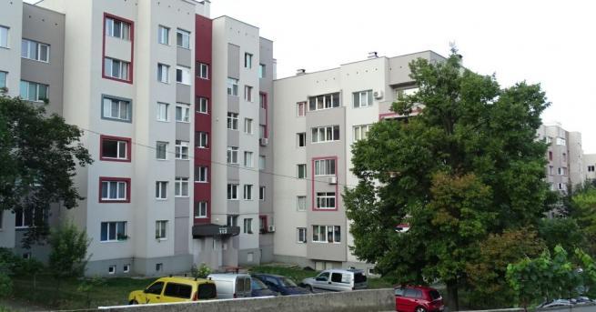 61-годишна жена скочи от 4-я етаж на жилищен блок в