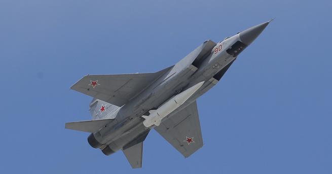 Снимка: Русия се похвали: МиГ-31БМ лети в близкия космос
