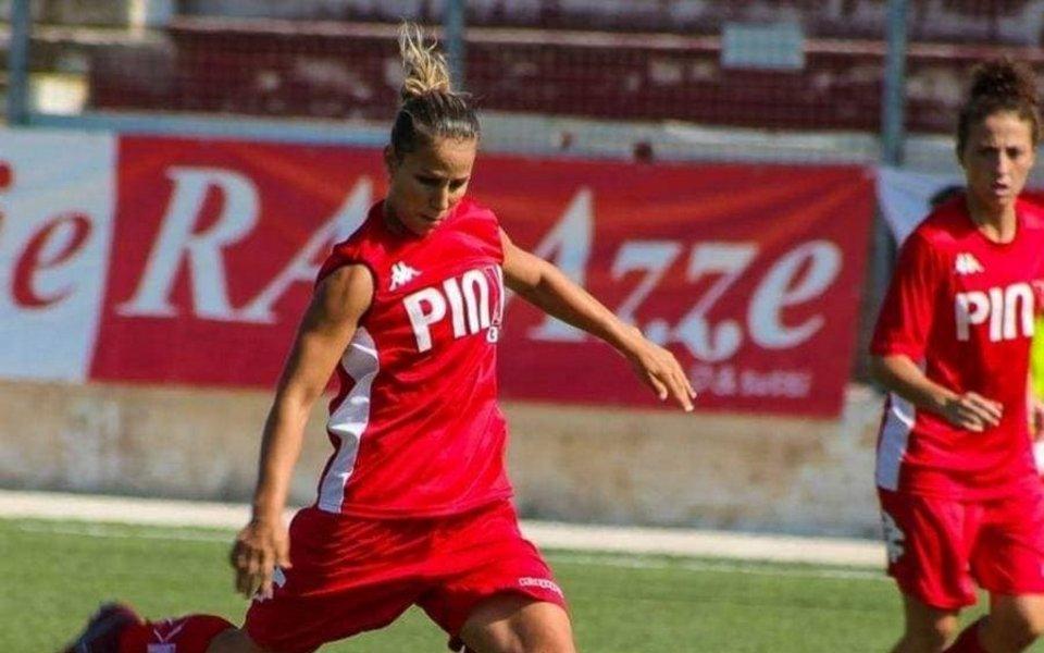 Една от водещите ни футболистки в лицето на Симона Петкова