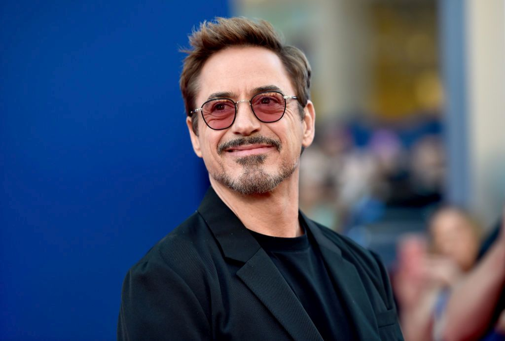 Актьорът, любимец на много дами по света, в периода от 1996 до 2001 г. е задържан четири пъти заради наркотици.