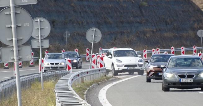 """Снимка: Пускат за леки автомобили АМ """"Струма"""" в посока Кулата"""
