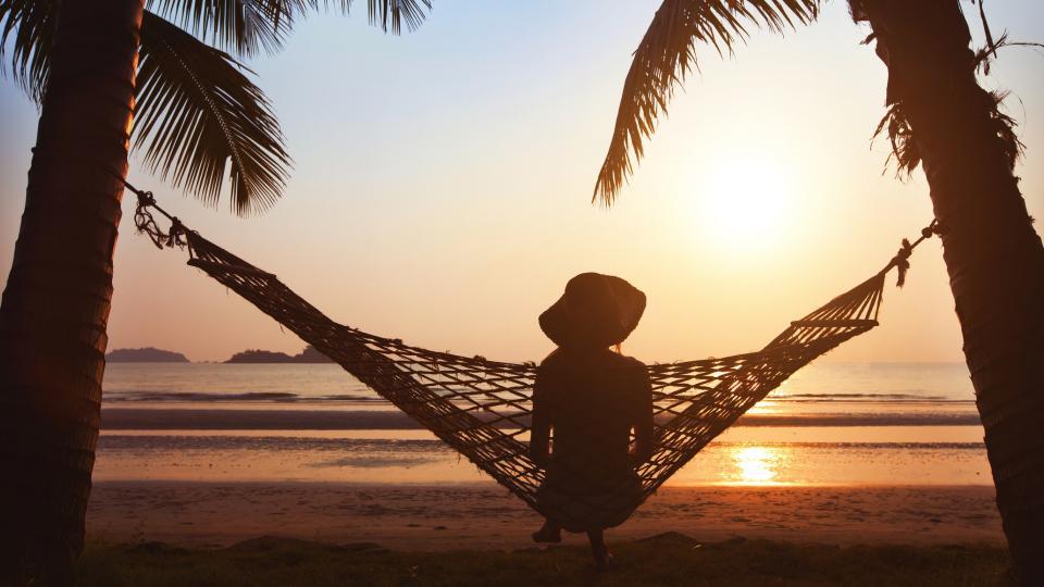 жена лято хамак плаж