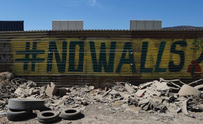 Походът на изкуството срещу стените