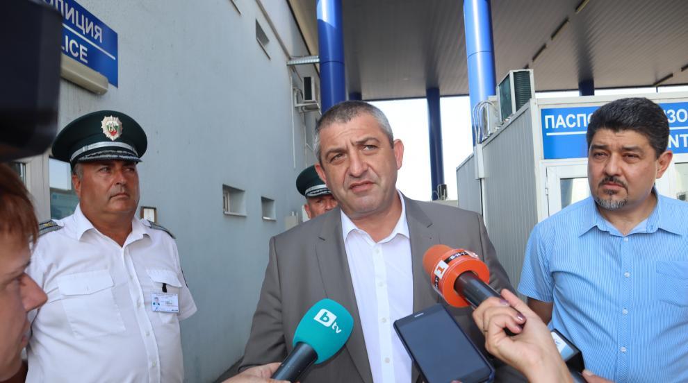 Главен комисар Светлан Кичиков инспектира работата на граничните...
