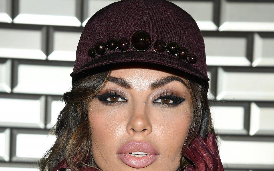 Небезизвестната румънска актриса и модел Мадалина Генеа не крие пристрастията