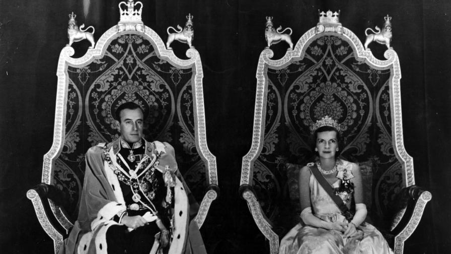 <p><strong>Забранените афери</strong> на граф и графиня Маунтбатън&nbsp;</p>