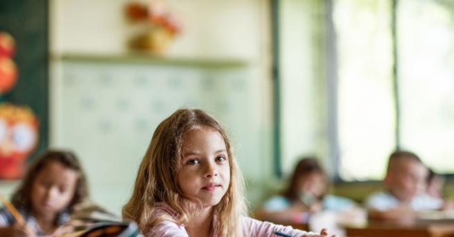 В пети клас се променят не само децата. Променя се