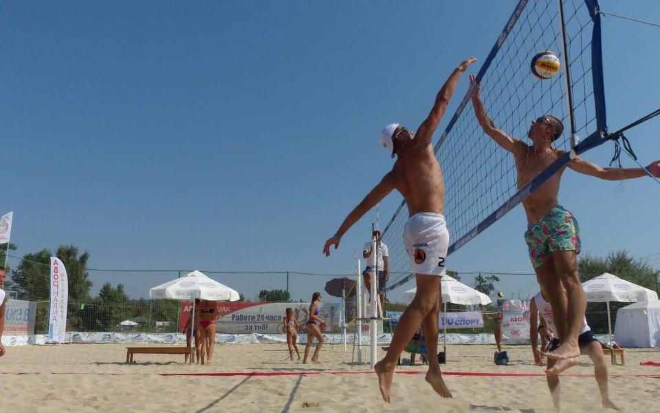 Варненски двойки триумфираха на пясъка в Кранево