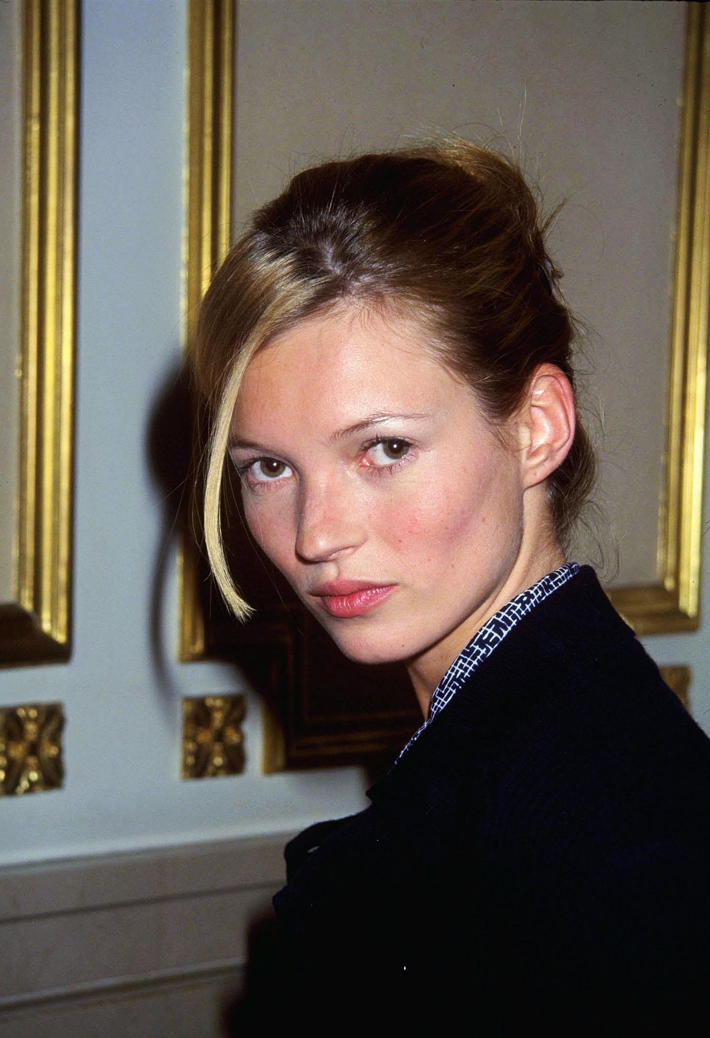 <p><strong>Кейт Мос</strong></p>  <p>Британката без проблеми промени света на модата, когато излиза на сцената в началото на 90-те години с изключително слаба фигура и напълно различен от другите модели вид.</p>  <p>&nbsp;</p>