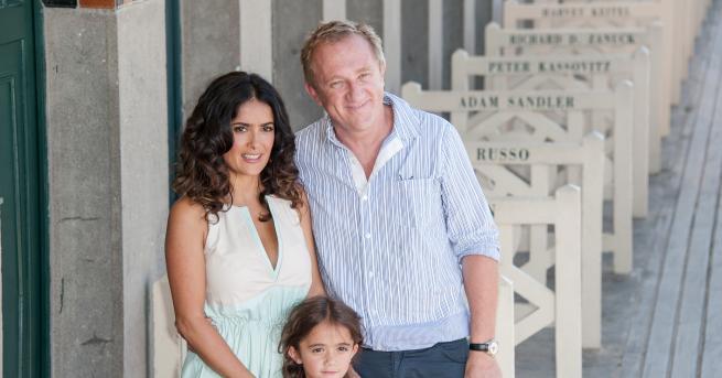 През 2007 Салма Хайек и съпругът ѝ Франсоа-Анри Пино стават