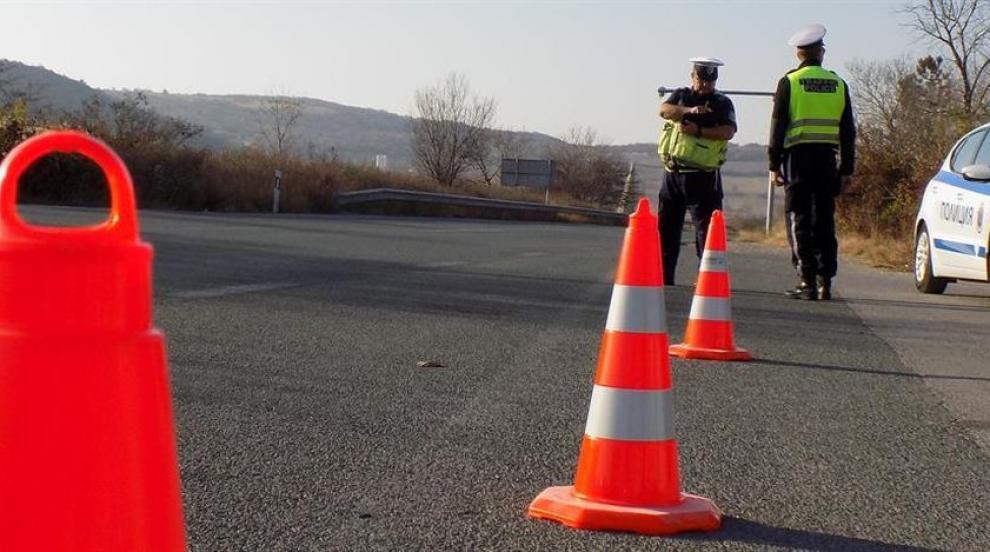 Шофьор загина присблъсък между два автомобила в Ямболско