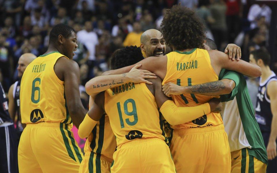 Литва с нова разгромна победа на Световното, Бразилия удари Гърция
