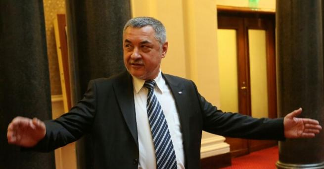 Председателят на НФСБ Валери Симеонов коментира актуални теми от политическия