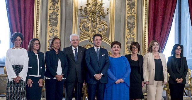 Новото проевропейско правителство на Италия се закле, като обяви нов