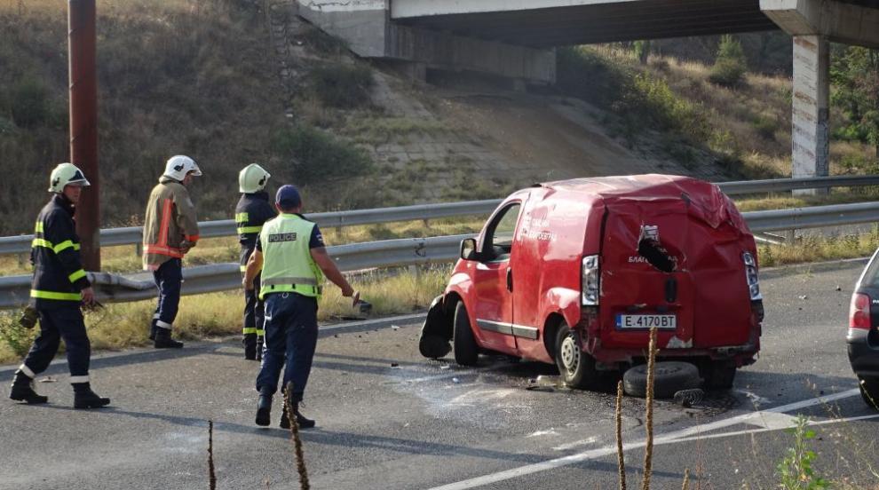 Катастрофа на Е-79 край Благоевград, има пострадали (СНИМКИ)