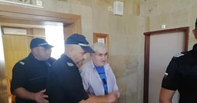 Снимка: Оставиха в ареста мъжа, обвинен за убийството в Кюстендил