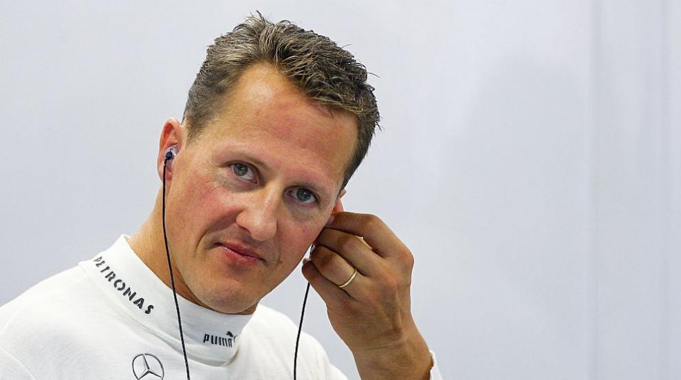 Шумахер пристигнал в скафандър и под засилена охрана в парижката болница