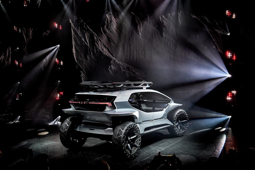 """<p><span style=""""color:#ff8c00;""""><strong>Audi e-tron AI:Trail</strong></span></p>  <p><span style=""""color:#ff8c00;""""><strong>Всичко за автомобилния бизнес на международното автомобилно изложение IAA 2019 във Франкфурт</strong></span></p>"""