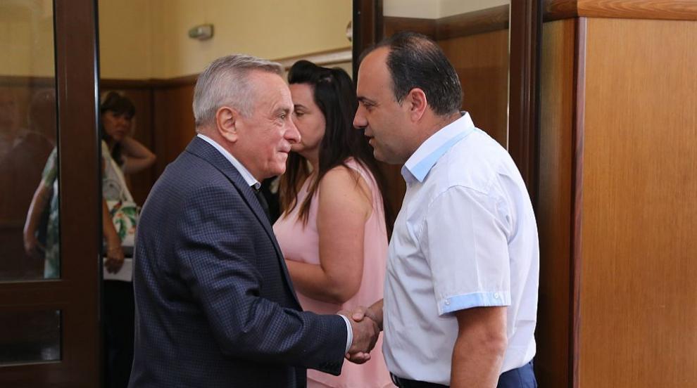 Отмениха отстраняването на кмета на Костенец Радостин Радев (СНИМКИ)