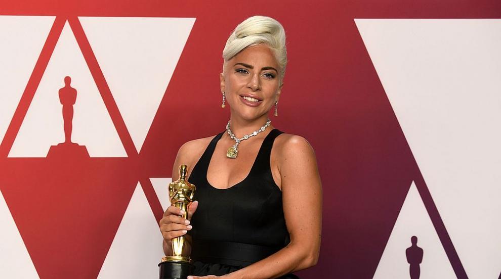 Камериерка продава рокля на Лейди Гага, забравена в хотел