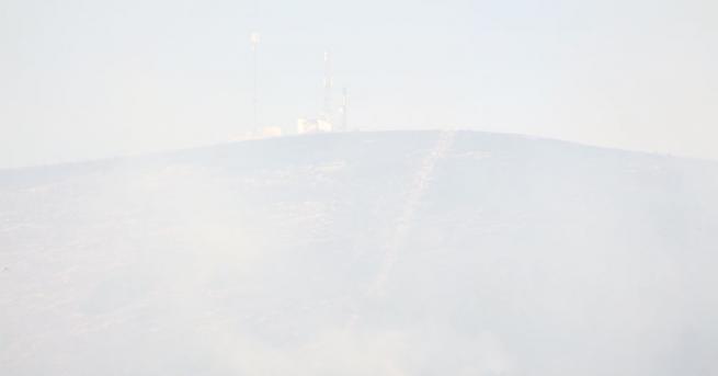 Среднощен пожар в Асеновград, съобщаваНяколко екипа огнеборци се бориха с